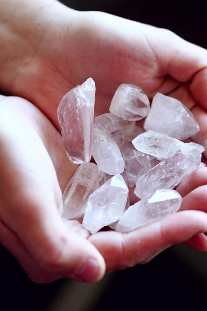 Pierre galet cristal de roche
